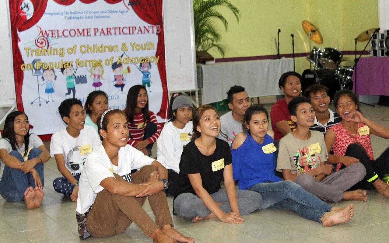 In trainings and workshops children and young people learn about their rights and how they can fight for them. (Photo: AWO International)