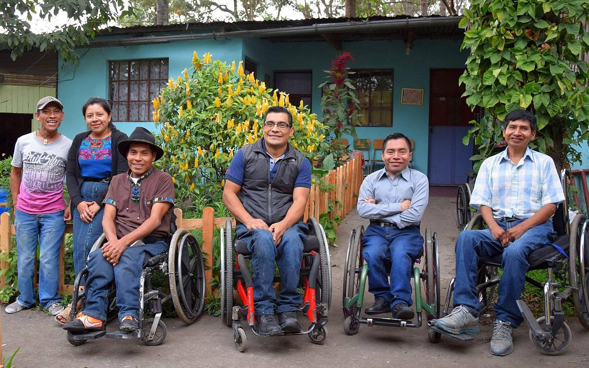 From people with disabilities for people with disabilities: The ADISA workshop team. (Photo: AWO International)