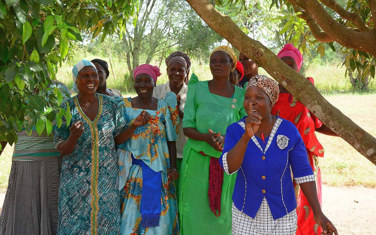 Securing food and creating prospects: Our goal is to strengthen women and children in particular. (Photo: AWO International)