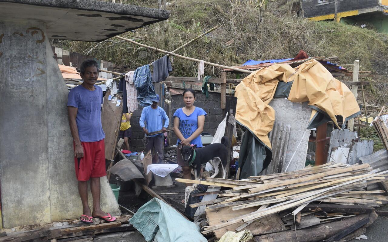 AWO International provides emergency aid for people who have lost their homes and livelihoods as a result of the two typhoons Goni and Vamco (Photo: AWO International/CONCERN)