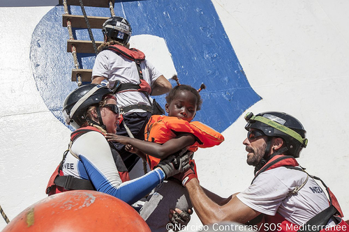 Civil sea rescue must not be criminalized, because it is a humanitarian duty to rescue people in distress. (Photo: Narciso Contreras/SOS MEDITERRANEE)
