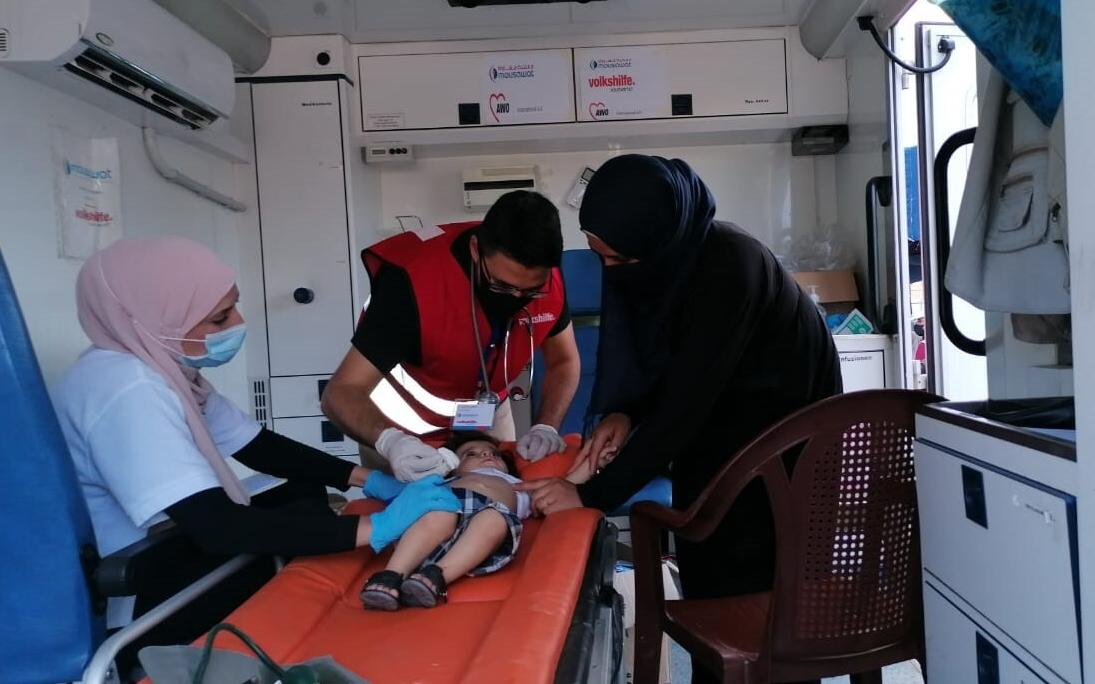 The mobile clinic took care of injured people in the first ten days after the explosion (Photo: Mousawat/AWO International)
