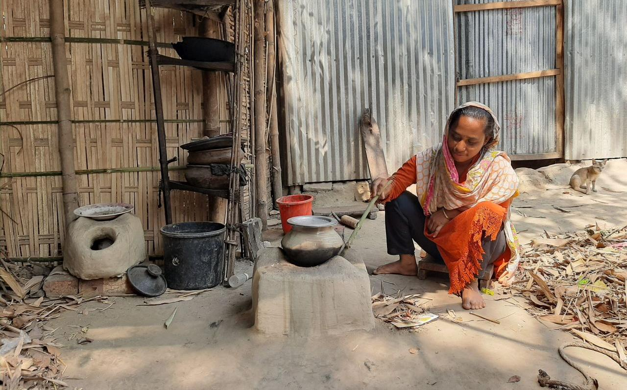 Against displacement and unsafe migration: In Gaibandha, we create new perspectives for migrants and climate refugees (Photo: AWO International / GUK)